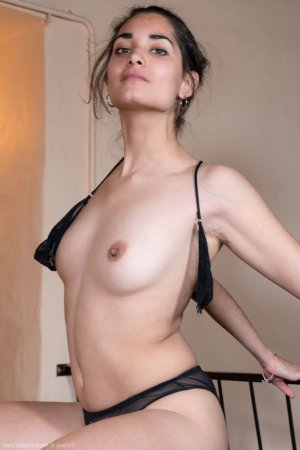 Karlina escorts services in Westchase