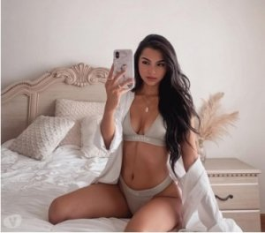 Cyriele incall escort in Alliance, OH