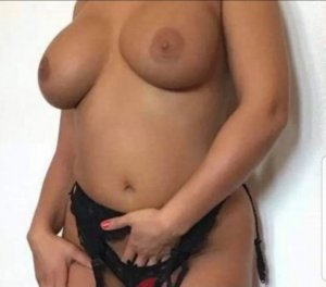 Emilda escorts services in McKinleyville